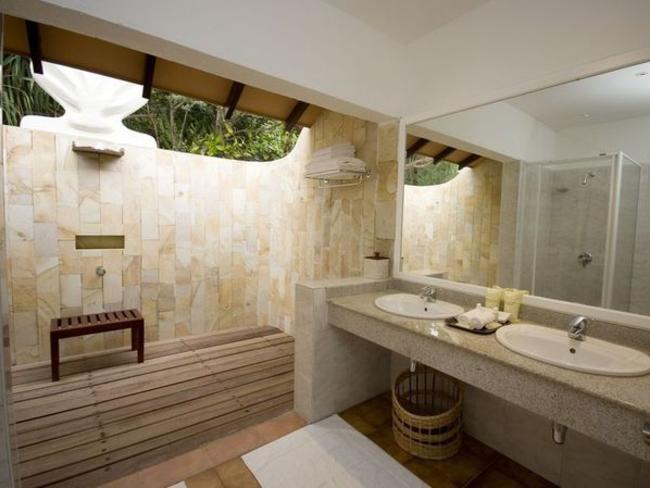 Adaaran Select Meedhupparu -koupelna v plážové vile