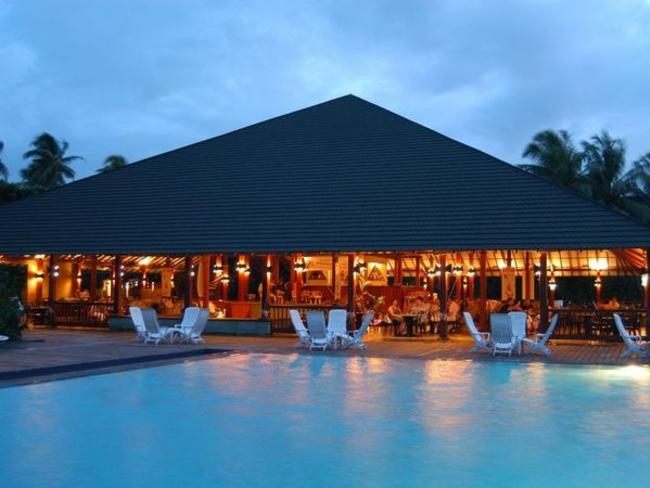Adaaran Select Meedhupparu - bazén a restaurace