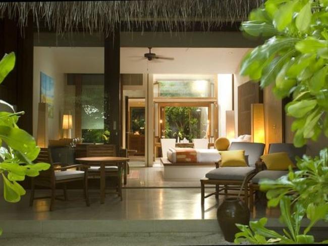 Conrad Maldives Rangali Island - plážová vila