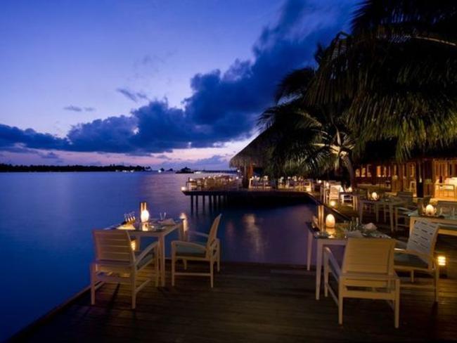 Conrad Maldives Rangali Island - restaurace Vilu