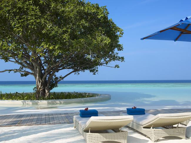 Dusit Thani Maledivy - bazén