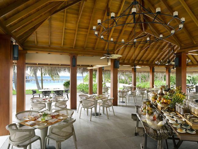 Dusit Thani Maledivy - restaurace Market