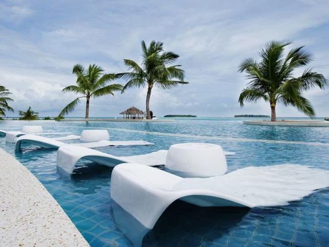 Holiday Inn Kandooma - bazén