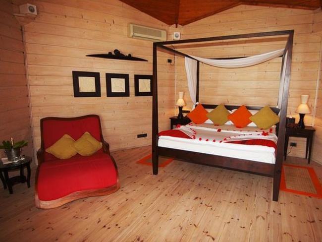 Komandoo Maldives Island Resort - plážová vila