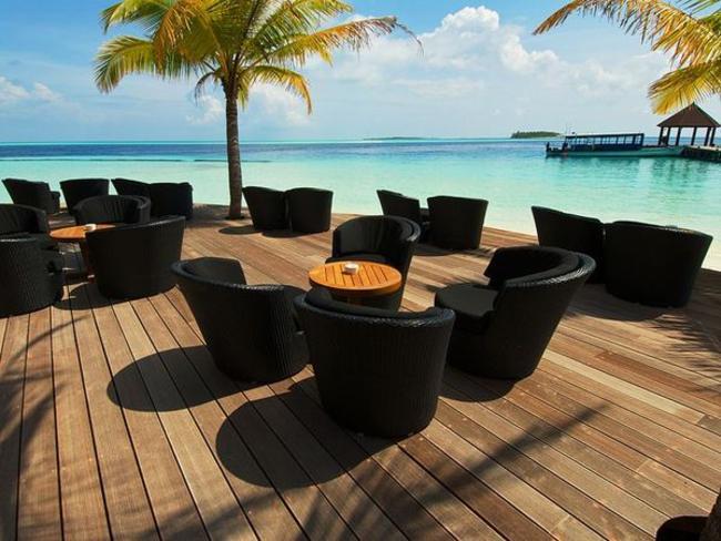 Komandoo Maldives Island Resort - bar