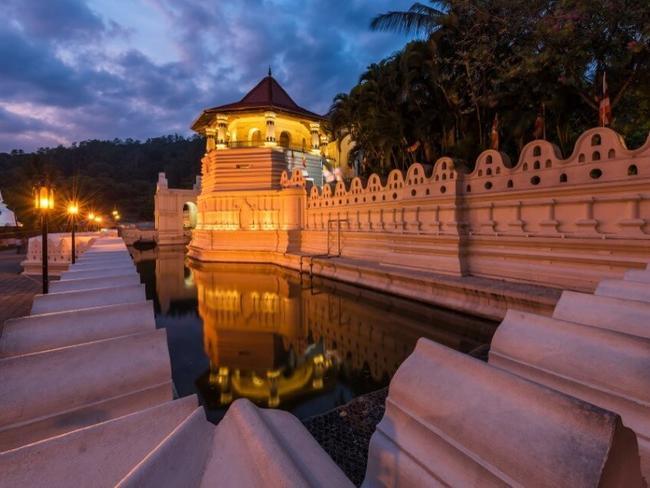 Srí Lanka - Chrám Buddhova Zubu Kandy