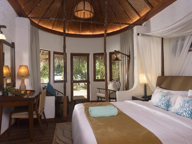 Makunudu island resort - plážový bungalov