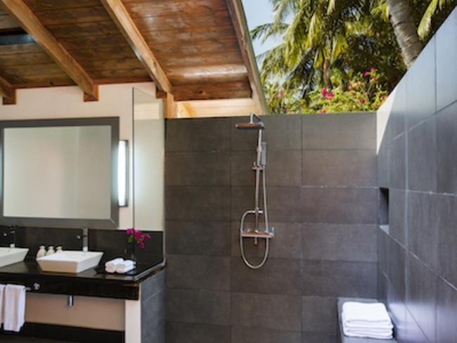 Meeru island resort - plážová vila, koupelna