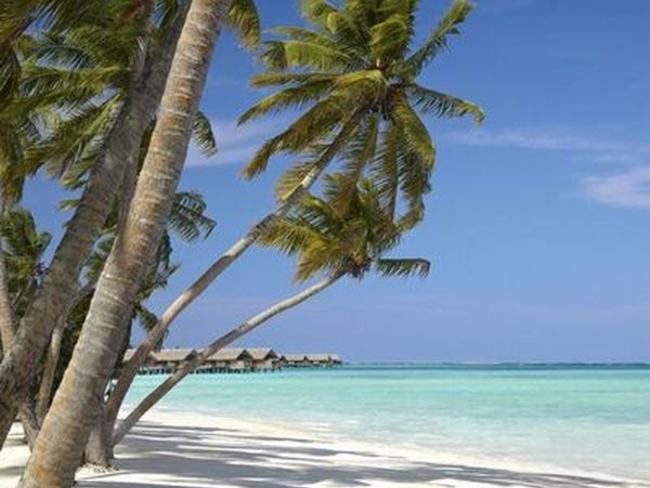 Shangri-las Villingili Resort - pláž