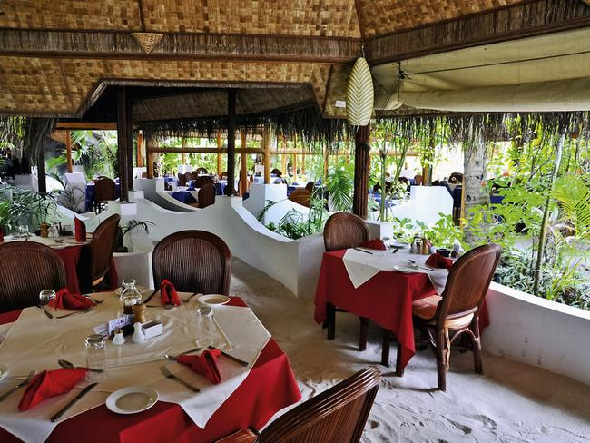 Thulhagiri Island resort - restaurace