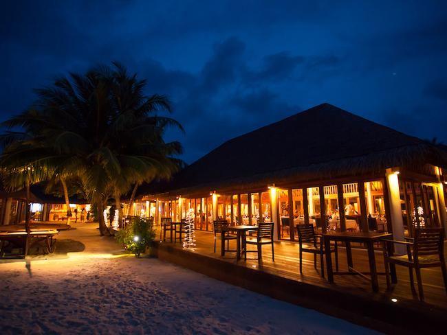 Vakarufalhi Maldives - restaurace