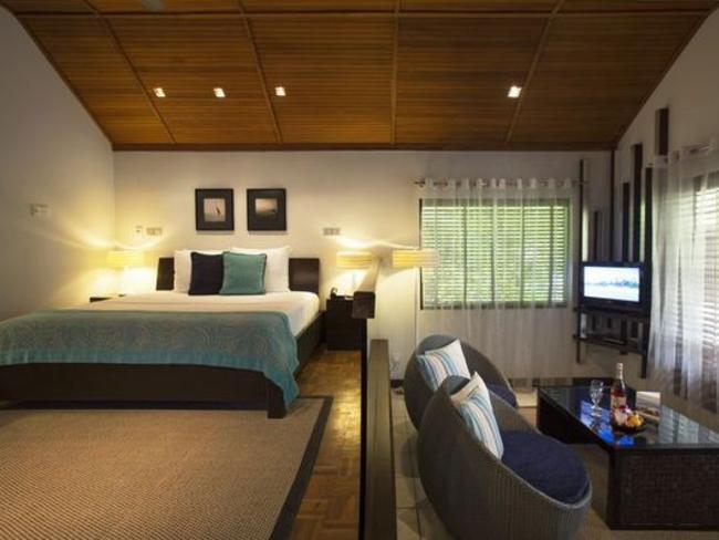 Velassaru Maldives - deluxe bungalov