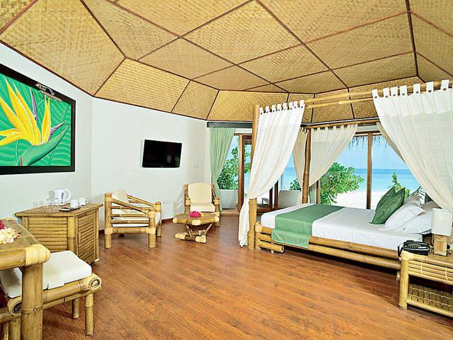 Safari island resort - plážový bungalov, pokoj
